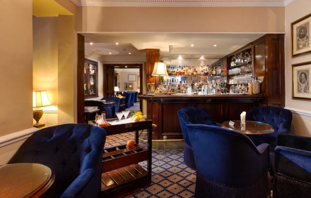 Dukes London Bar