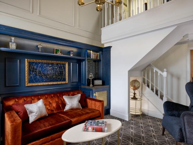 100 Queen's Gate Duplex Lounge