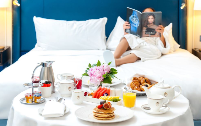 Waldorf Hilton Breakfast