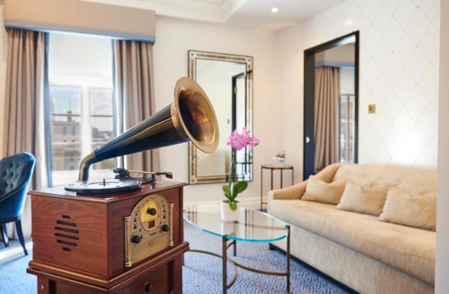 Waldorf Hilton Gramaphone