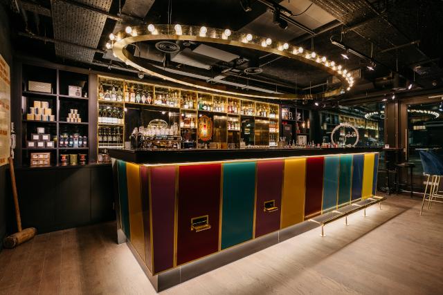Ruby Lucy London Bar 13