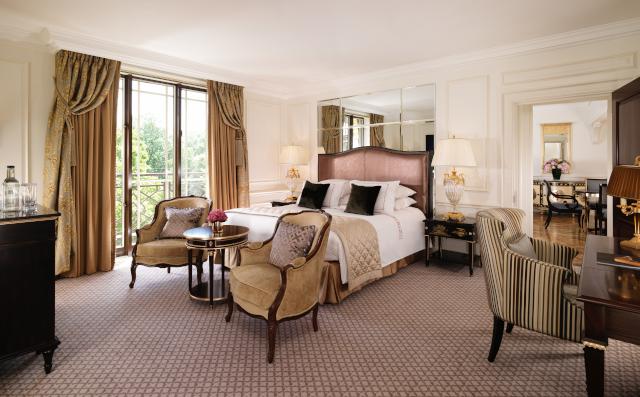 The Dorchester-Belgravia Suite-bedroom