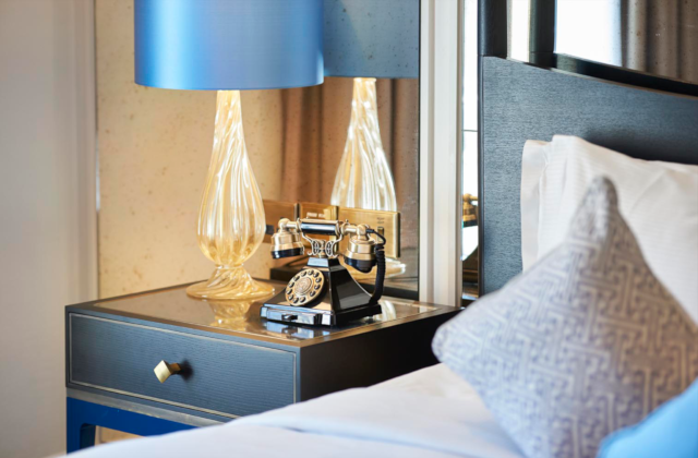 Waldorf Hilton Bedroom 2