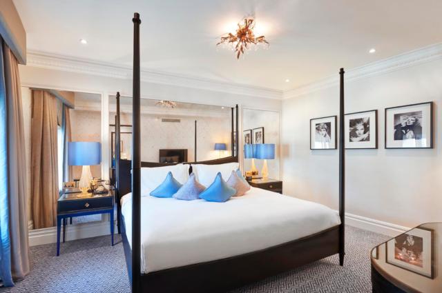 Waldorf Hilton Bedroom